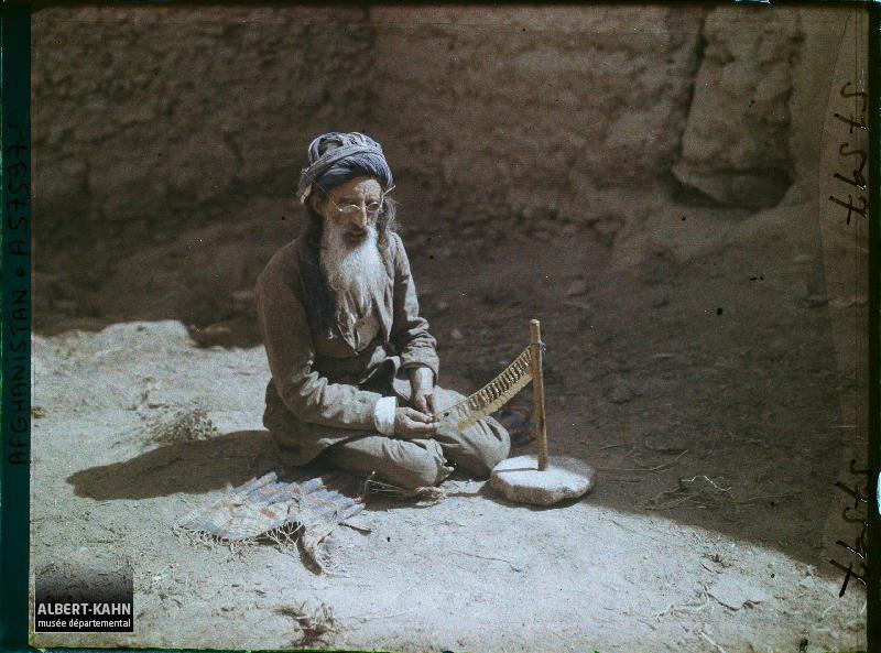 "Фотография из ""Архива планеты"" Кана, автор фото - Фредерик Гадмер. На картинке - старик в чалме, фото 1928 года."