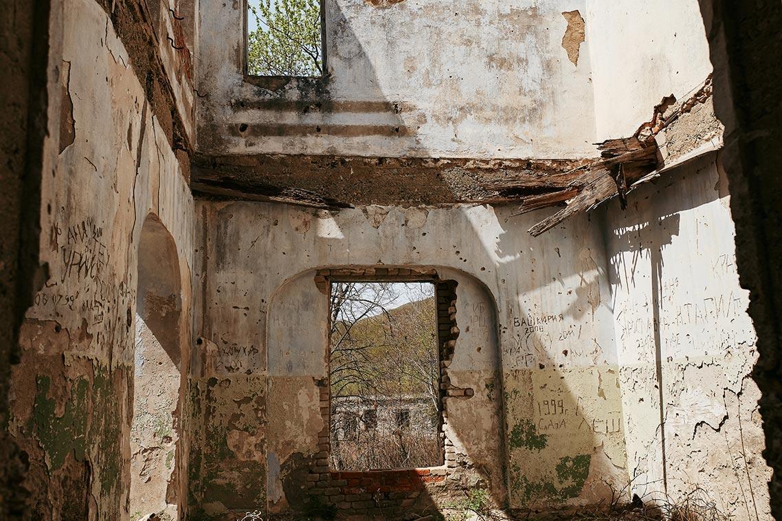В доме Яна Янковского в 2019 году нет ничего, кроме стен и фундамента; здание стремительно разваливается.