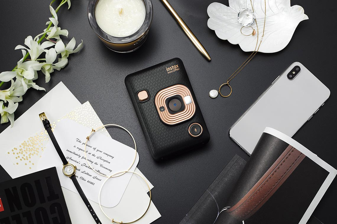 Istax Mini LiPlay записывает аудио на напечатанные фото при помощи QR-кода