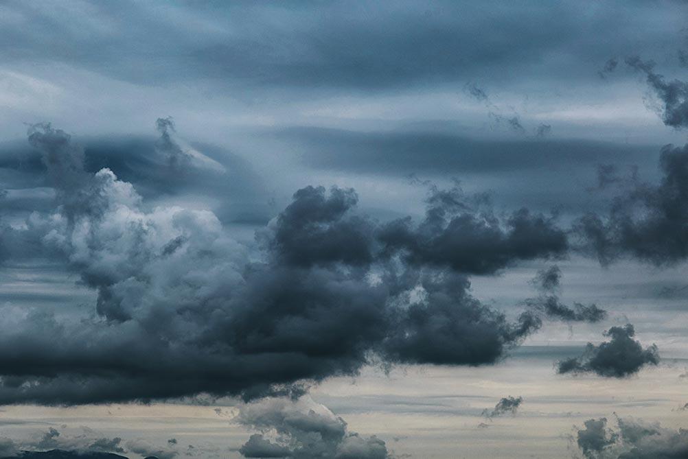 Предштормовое небо в море, когда love-story лучше не снимать