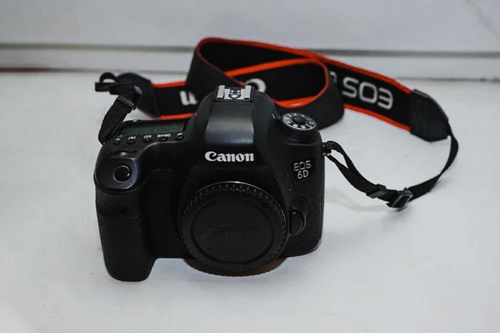 Внешний вид Canon EOS 6D. Автор фото - Tengyart