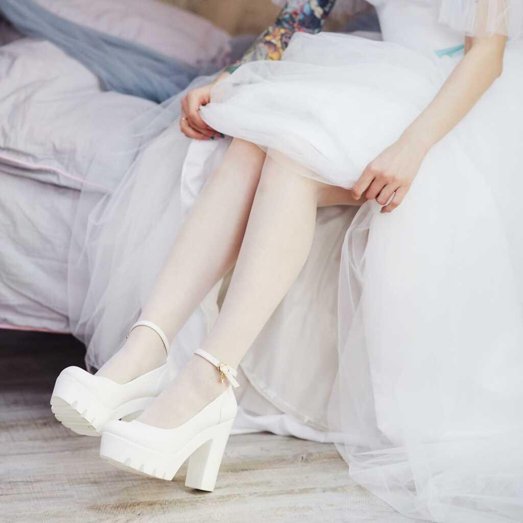 Предсвадебная фотосъёмка Находка - Владивосток, фотограф Олег Мороз (Tengyart). Красивая студийная фотосессия для невесты, идея для фото.