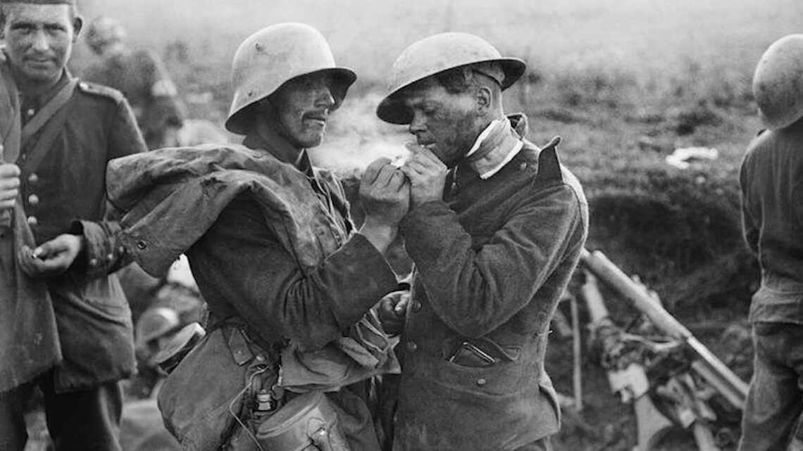Солдаты в Первую мировую войну, фотография сделана на Vest Pocket Autographic Kodak
