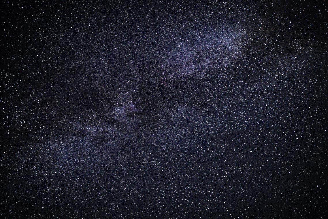 Фотография звёздного неба (млечного пути) на Canon 5D Mark 4, 6400 ISO