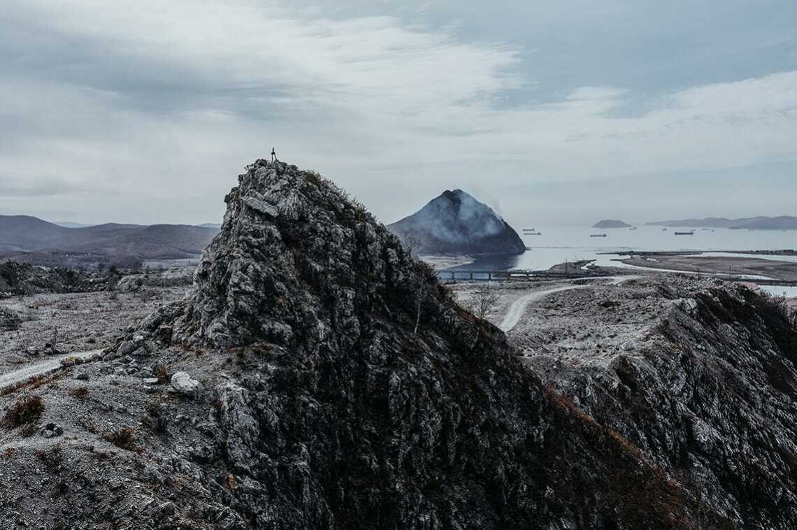 Вид на сестру со скалы на горе Брат