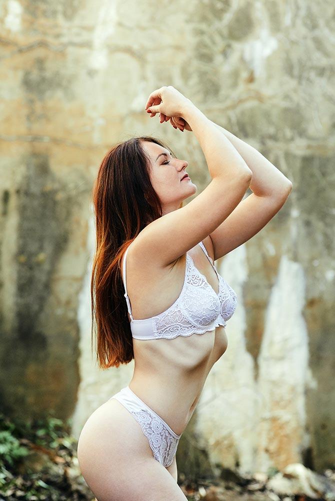 Фотосессии девушки в белье форты Владивосток
