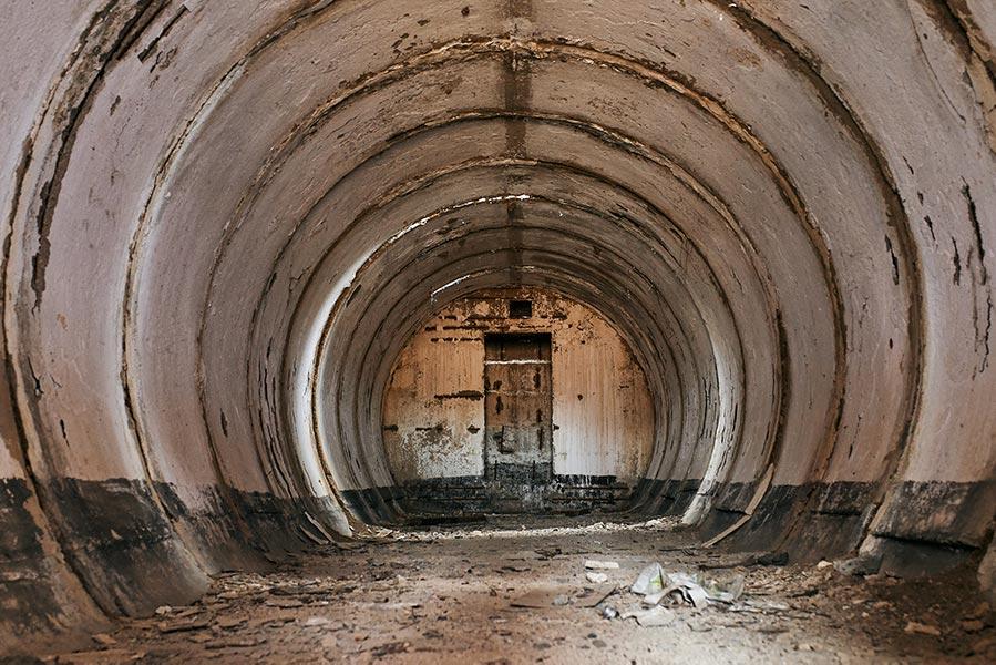 Заброшенный бункер (убежище) в Золотой Долине, фото. Автор Tengyart (фотограф Олег Мороз)