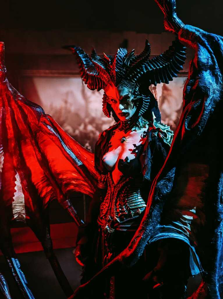 Cosplay Diablo 4 Lilith blizzcon 2019 8k wallpaper (background)
