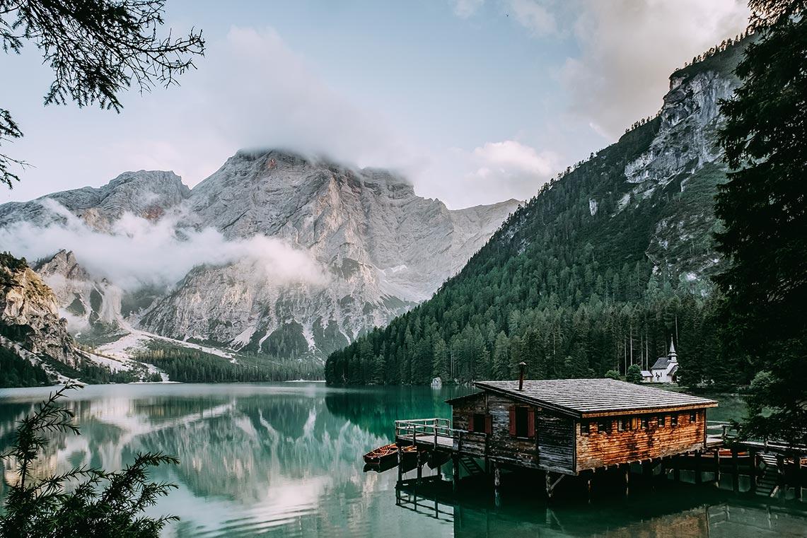 Красивый горный пейзаж фото 1140 пикселей