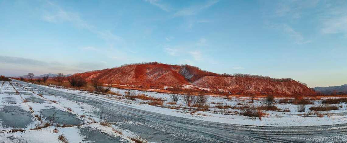 Зимняя панорама с сопками на 64-мегапиксельную камеру Realme XT