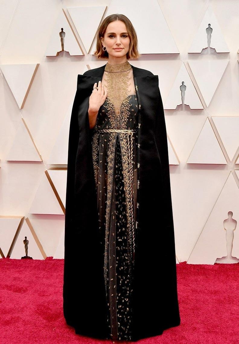 Натали Портман с накидкой от Dior, церемония Оскар 2020