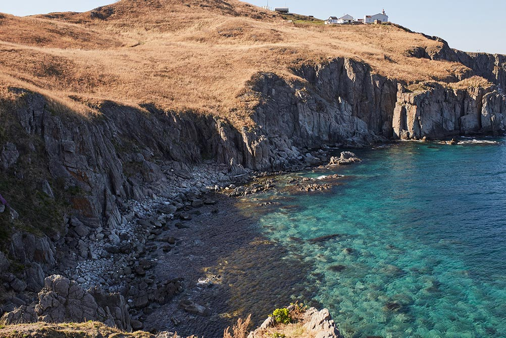Фото моря и скал без обработки