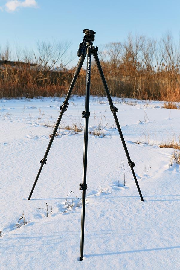 manfrotto 290 light - лучший и обязательный инструмент при съёмке в снегопад, дождь и шторм
