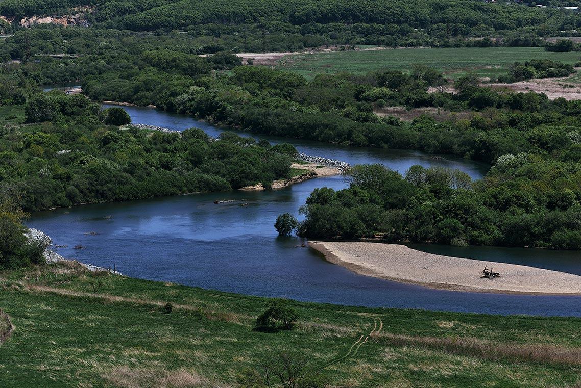 Вид с Екатериновского массива на долину реки Сучан (Партизанская), фотограф Олег Мороз
