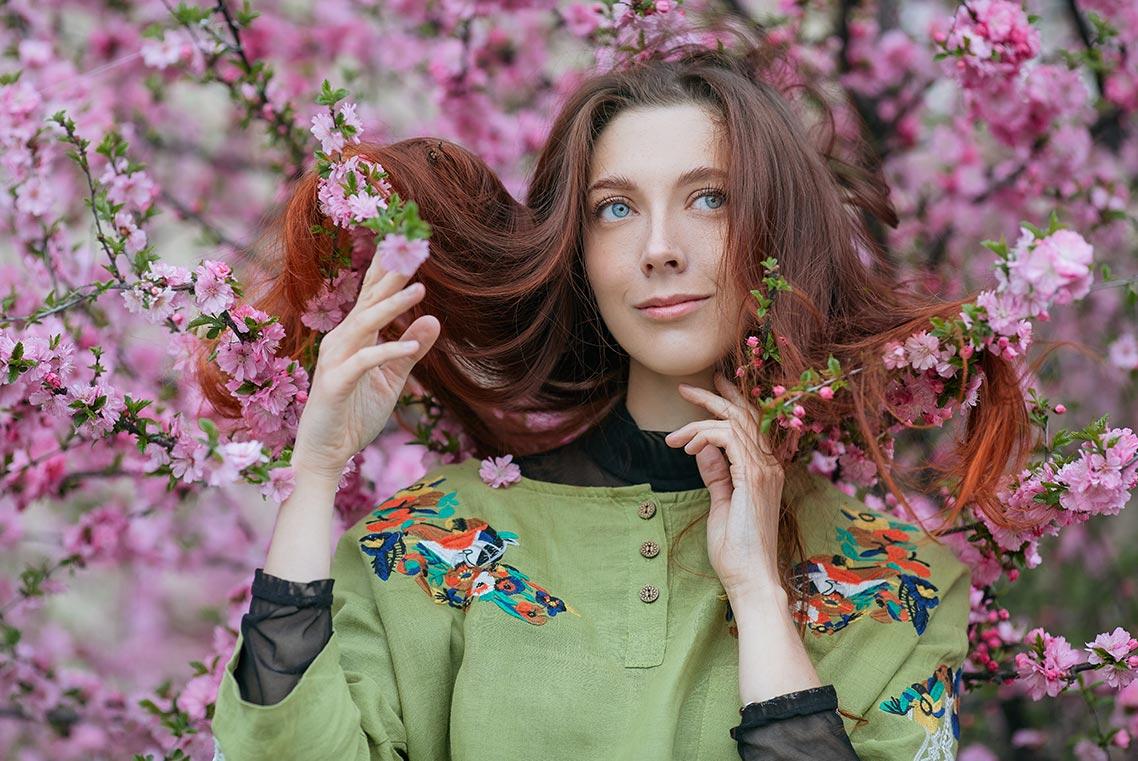 Портретная фотосессия в цветущем саду в Золотой Долине, фотограф Олег Мороз (Tengyart)