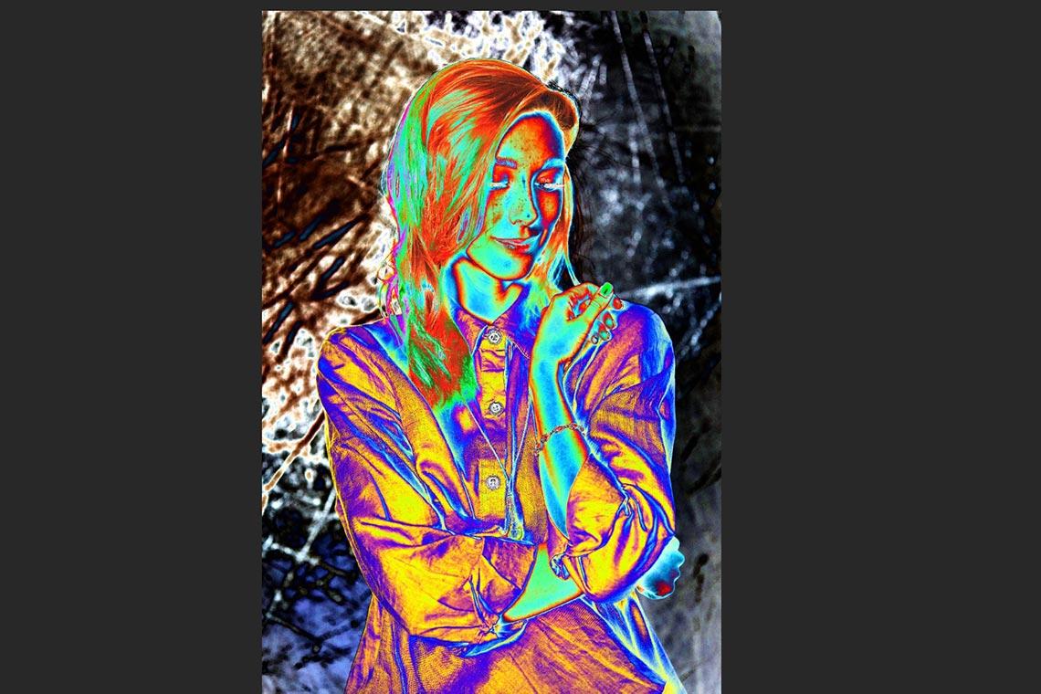 Пример воздействия соляризационной кривой (Solar Curve, Ed's Curves) в Adobe Photoshop на фото при обработке портрета