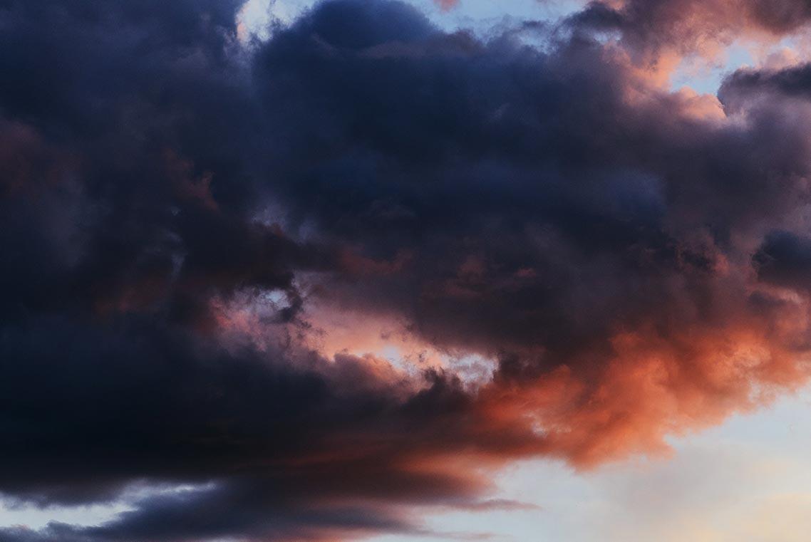 фото заката на природе (закатное небо фон для фотошопа в хорошем качестве), фотограф Олег Мороз (Tengyart)