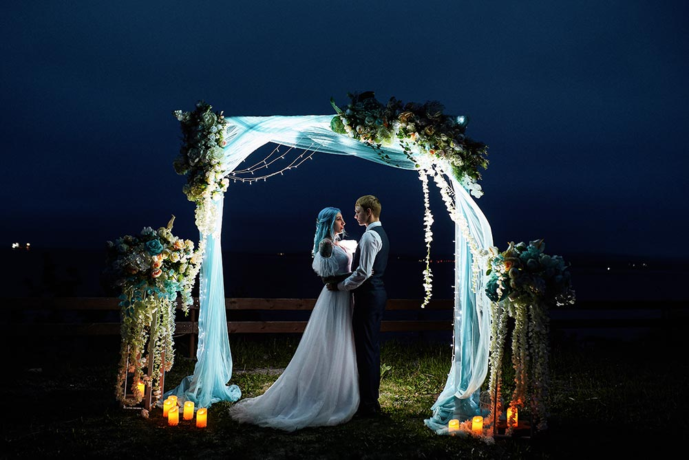 Выездная свадебная фотосессия с аркой в Находке