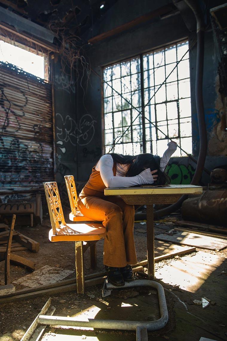 Портретная фотосессия в заброшенном здании