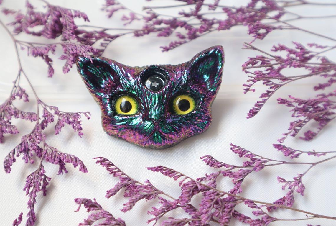 Кошачья маска с блёстками - украшение ручной работы из эпоксидной смолы (отличный подарок для дома!)