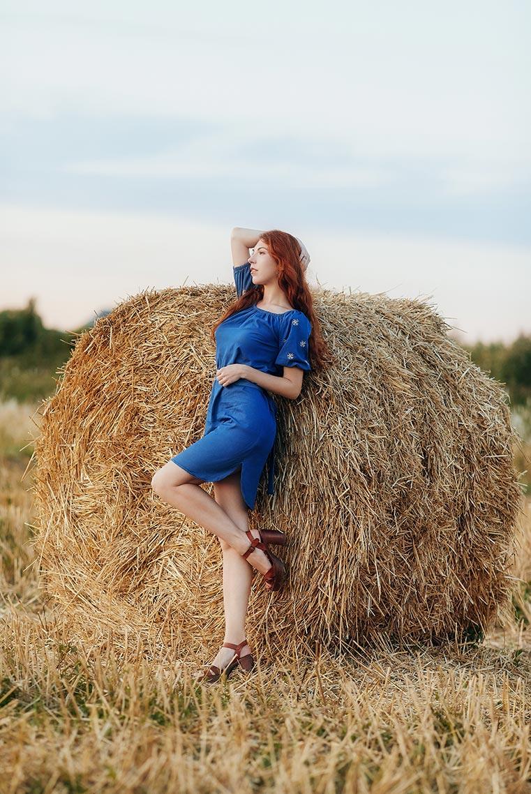 Фотосессия на сене в Находке (пример позирования)