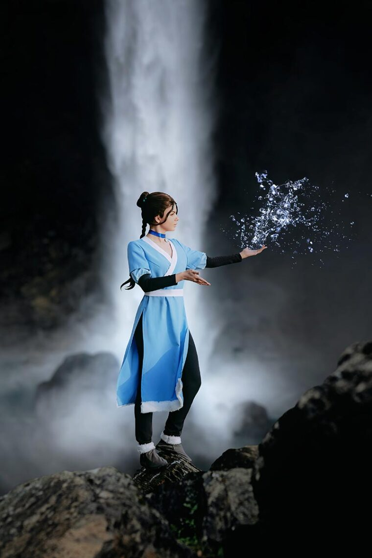 "Косплей фотосессия ""Аватар воды"" на фоне водопада во Владивостоке"