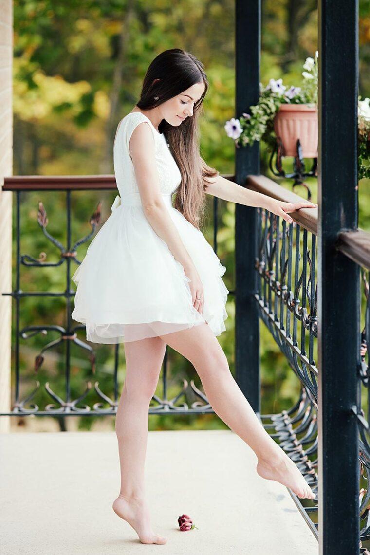 Предсвадебная фотосессия для невесты на балконе в Находке