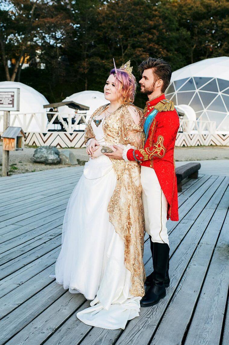Костюмированная свадебная фотосессия в бухте Новик, Владивосток