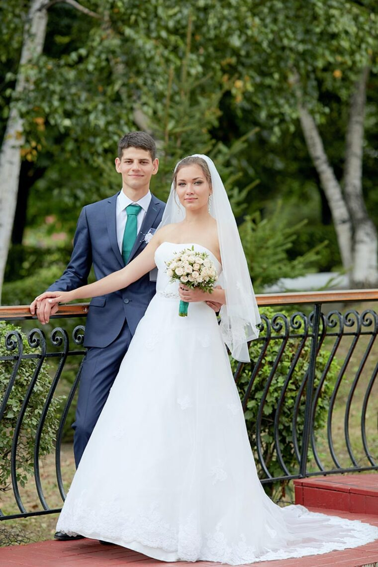 Свадебный фотограф в Находке - фотосессии на административном городке
