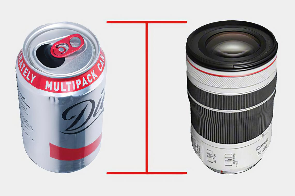 Сравнение размера Canon RF 70-200mm f/4L с банкой газировки (например, колы)