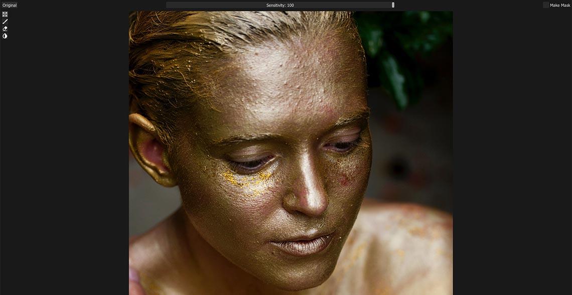 Вот так Retouch4me Heal удаляет мелкие пятна на фото с краской и проблемной кожей