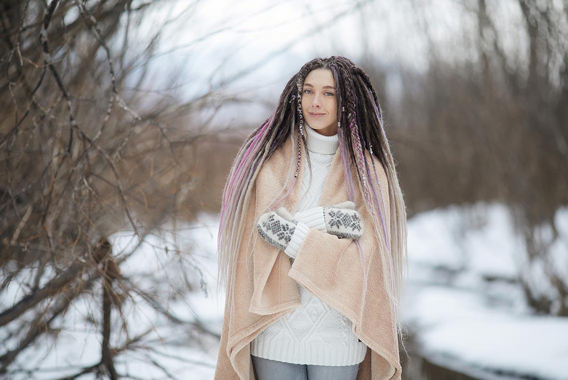 Зимняя фотосъёмка с пледом и свитером в Находке