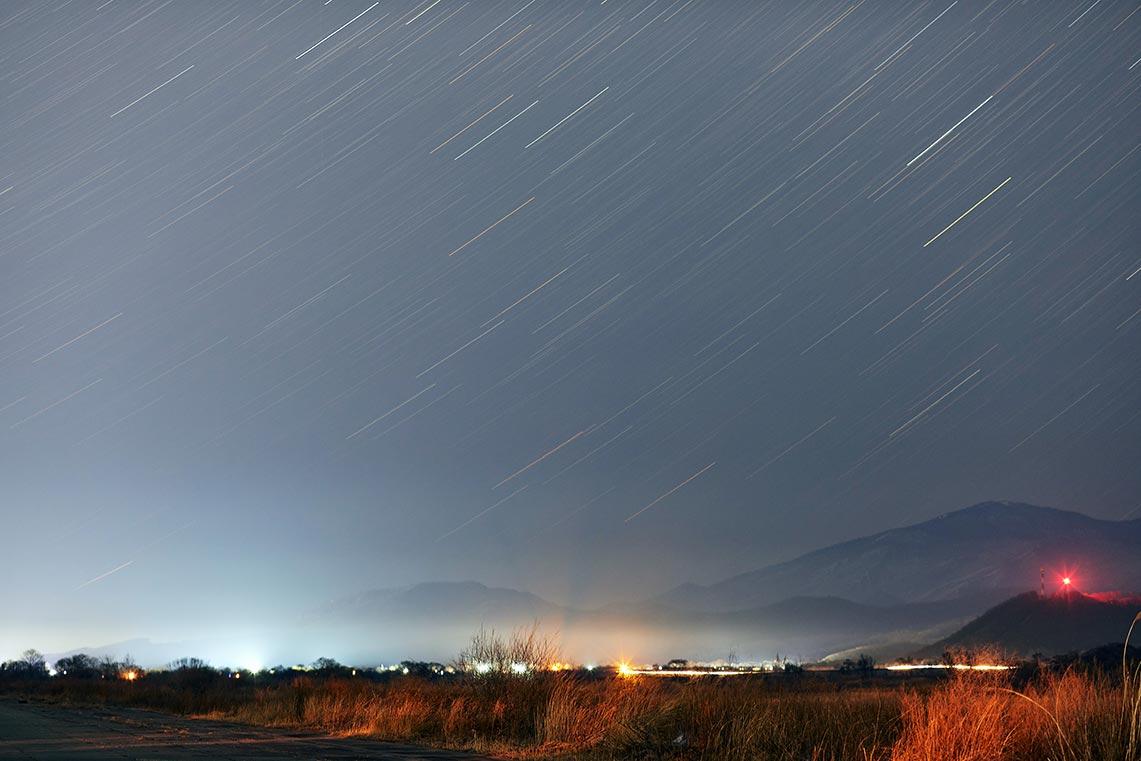 Фотосъёмка звёздных треков в сельской местности России
