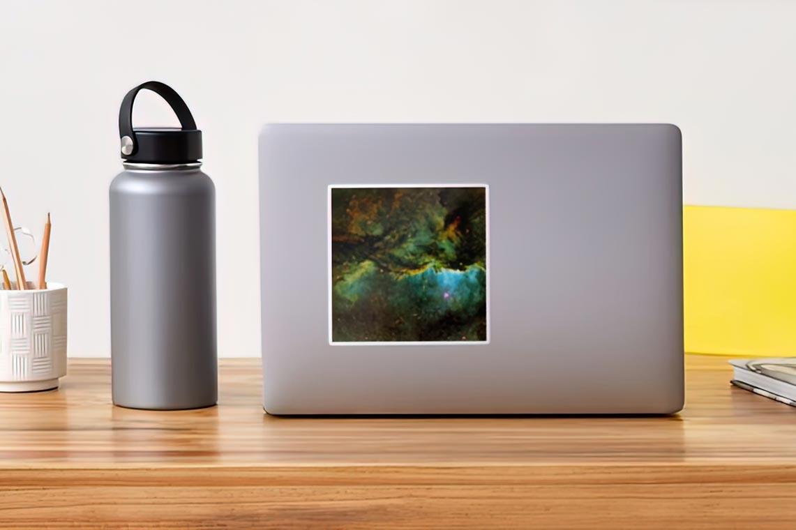 Виниловый стикер с космосом (туманностью) для планшета и ПК